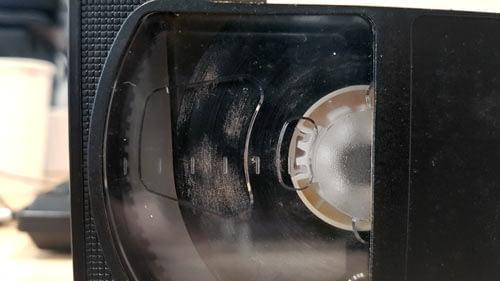 Présence de moisissure sur une cassette VHS