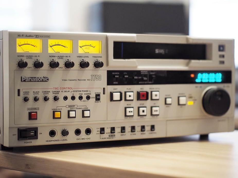 Numérisation cassette vhs-svhs-Dvhs-vhsc-K7 à Paris